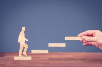 management-vs-mentorship-1.jpg