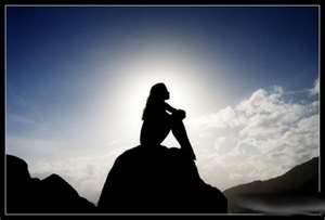 mujer-mirando-al-cielo