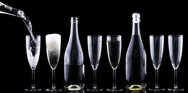 champagner-toasting-new-year-s-eve-drink.jpg