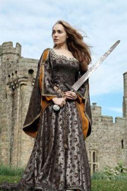 591adca90cbdfe63ecfde66defea3692--medieval-costume-medieval-dress